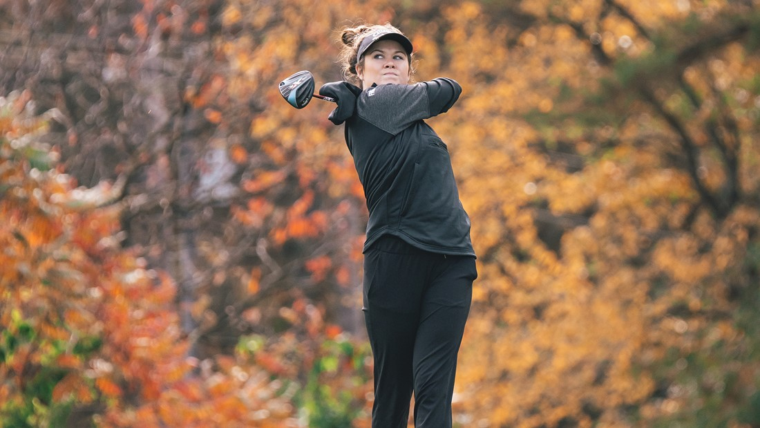 Women's Golf Team 15th After Day One of BU Battle at the Creek